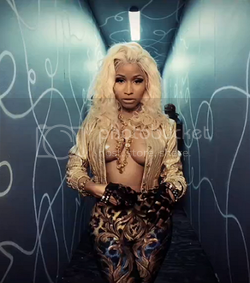 Nicki Minaj photo: Nicki Minaj Freaks tumblr_mjb0l2AZwa1r9mkcuo5_250_zps055fe225.png